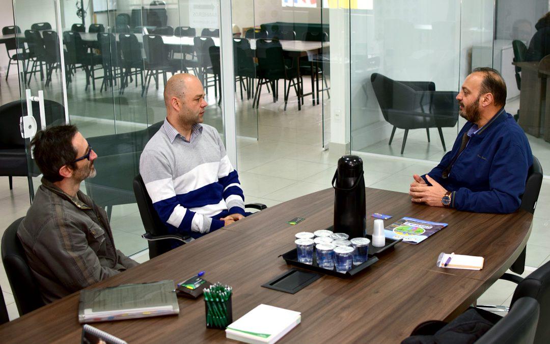 Coletivo Inclusão se reúne com ACINFAZ para falar de trabalho em rede