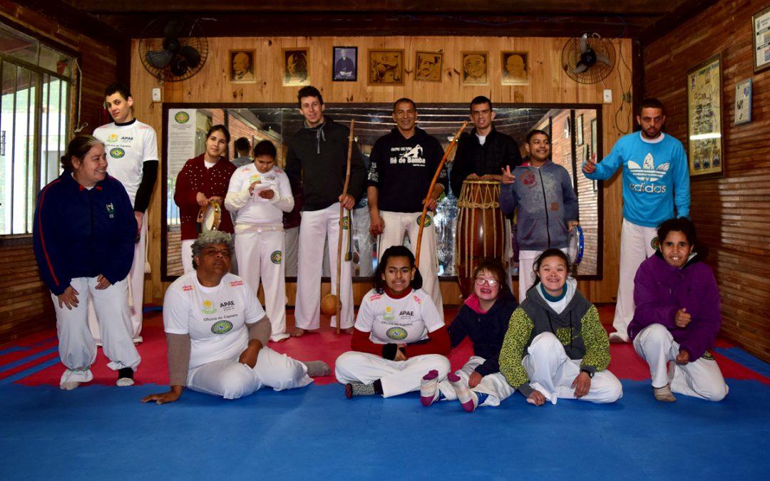 Capoeira: disciplina e desenvolvimento para os alunos da Apae