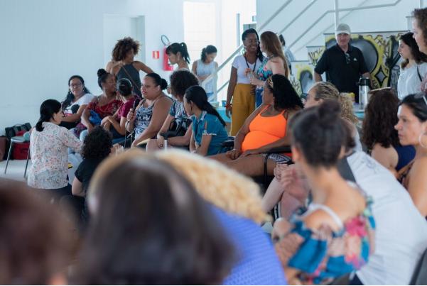 Grupos virtuais de mulheres com deficiência e cuidadoras precisam de apoio para ampliar seu trabalho e empoderar ainda mais